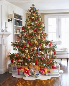 A beautifully decorated old-fashioned Christmas tree...