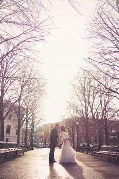 Elegant winter wedding photo // Photo by Anna B. #minneapolisweddingphotographer #winterwedding