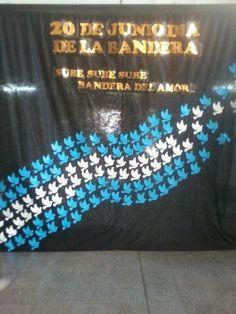 dia de la bandera argentina souvenirs - Buscar con Google Colegio Ideas, Diy And Crafts, Arts And Crafts, School Murals, Argentina Travel, Ideas Para Fiestas, Sensory Activities, Paper Decorations, Kids Playing