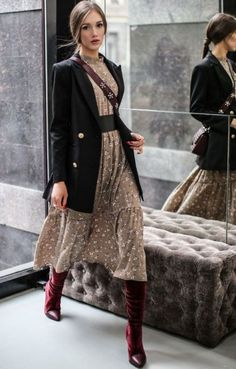 Floral print Dress and blazer - Women's Fashion, casual outfit, Dresses, Juimpsu. - Summer Outfits for Work Fashion Mode, Modest Fashion, Look Fashion, Trendy Fashion, Autumn Fashion, Womens Fashion, Fashion Trends, Fashion Ideas, Feminine Fashion