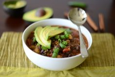 Black Bean and Quinoa Chili by fitfoodiefinds #Chili #Black_Bean #Quinoa #Healthy