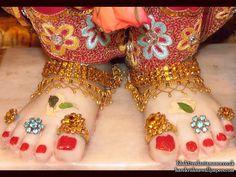 Sri Rama Feet Wallpaper (002)   Download Wallpaper: http://wallpapers.iskcondesiretree.com/sri-rama-feet-iskcon-bhaktivedanta-manor-wallpaper-002/  Subscribe to Hare Krishna Wallpapers: http://harekrishnawallpapers.com/subscribe/  #LotusFeetOfRama