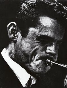 Ed van der Elsken : Chet Baker lors d'un concert au Concertgebouw, Amsterdam 1955. Ed van der Elsken / Ed van der Elsken Estate