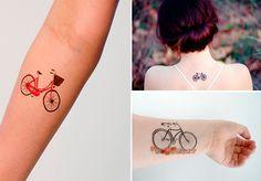 Você é desses loucos por bicicleta? Não abre mão da magrela nem como meio de transporte nem para se divertir nos fins de semana? Bom, sozinho você sabe que não está. Muita genteleva essa paixão bem a sérioeacaba marcando o hobbyna pele. Parece tentador?De bike pequena a gigante, selecionamos 12 imagens de tattoos degente apaixonada por ciclismo. Dá uma olhada e depois vá pedalando ao tatuador mais próximo da sua casa:Todas as imagens: Mpora