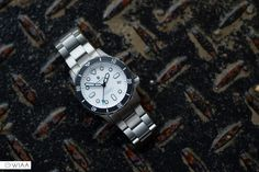 Beautiful photo of the white dial Hamtun Kraken titanium dive watch. Affordable Automatic Watches, Best Affordable Watches, Automatic Watches For Men, Best Cheap Watches, Best Watches For Men, Cool Watches, Dream Watches, Sport Watches, Watch Companies