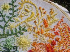 I ❤ embroidery . . . 15 different stitches: Whipped chain stitch, Chain stitch, Lazy daisy, Buttonhole wheel, Back stitch, Whipped spider web, Feather stitch, French knot, Split stitch, Herringbone and Double herringbone, Satin stitch, Bullion knots, Leaf stitch, Roumanian stitch.
