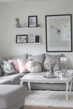 gray sofa., oh my gosh I want this