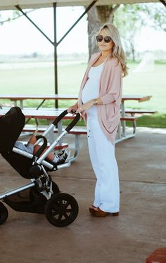 strolling time & Maxi-Cosi - Quinny Stroller - Ideas of Quinny Stroller - strolling time & Maxi-Cosi Stylish Maternity, Maternity Wear, Maternity Fashion, Maternity Style, Maternity Tops, Pregnancy Looks, Pregnancy Outfits, Pregnancy Style, Pregnancy Wear