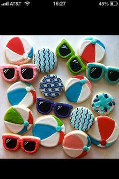 Love the wave cookies! Summer beach ball and sunglasses cookies - HayleyCakes Summer Cookies, Fancy Cookies, Iced Cookies, Cut Out Cookies, Cute Cookies, Cupcake Cookies, Cookies Et Biscuits, Birthday Cookies, Cookie Icing