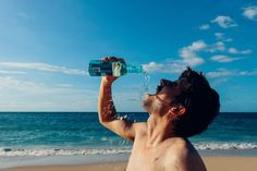 10 Signs of Dehydration to Look out For - Migraine Again Ketosis Symptoms, Signs Of Dehydration, Fluid And Electrolytes, Benefits Of Drinking Water, Bpa Frei, Mental Health Care, Brain Health, Dental Health, Santa Cruz