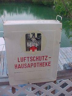 WW2 German red cross medical box
