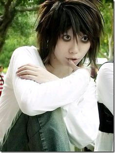 Perfect impersonation Deathnote Omg this is soooo good!!! Looks just like L