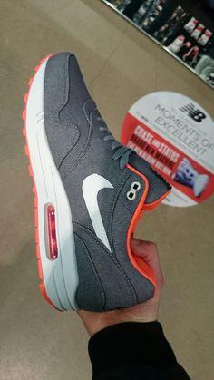 Nike Air Max grey, white/orange sole @footgearlab