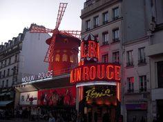 France: Paris: Bd Clichy, Pigalle & Opéra Garnier