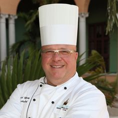 Executive Chef-Dave-Hackett started cooking at the ripe old age of 12.  And he hasn't stopped since.  He will be leading the charge on Saturday, September 20th during the Rodney Strong Vineyards 25th Anniversary celebrity chef dinner.