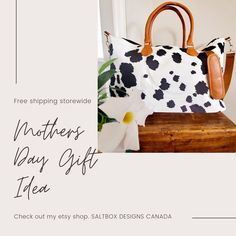 Cottage Porch, Cottage Farmhouse, Farmhouse Rugs, Fashion Prints, Style Fashion, Fashion Ideas, Shoulder Bags, Shoulder Strap, Black Cow
