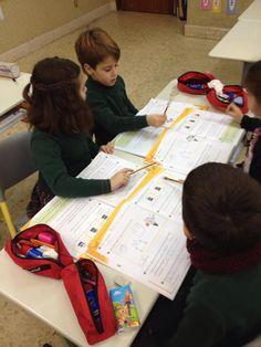 MARISTAS OURENSE EP1 @MarOuEP1 Corrección cooperativa de los deberes. #ourenseeenruta #compostelaenruta