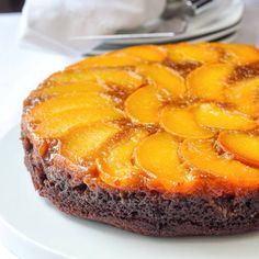 Peach Gingerbread Upside Down Cake. You may not think it but peaches and ginger are a delicious flavour combination that never worked better than in this beautiful summer dessert. Rock Recipes, Cake Recipes, Dessert Recipes, Summer Desserts, Just Desserts, Delicious Desserts, Empanadas, Peach Upside Down Cake, Peach Cake