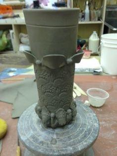 Slab built vase with decorations - Michelle James Clay Classes, Planter Pots, Pottery, Vase, Hands, Inspiration, Videos, Ceramica, Biblical Inspiration