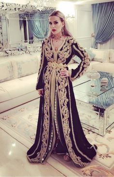 Caftan Morrocan Kaftan, Modest Wear, Caftan Dress, Event Styling, Glamour, Street Style, Fashion Outfits, Formal Dresses, Elegant