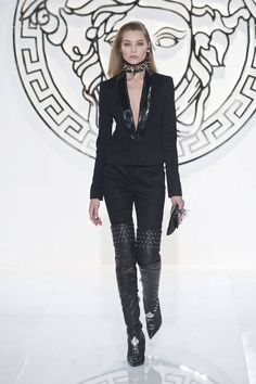Versace Fall 2013 Ready-to-Wear Runway - Versace Ready-to-Wear Collection - ELLE #black #highboots