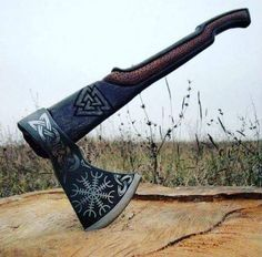 Rune Viking, Viking Life, Viking Woman, Battle Axe, Medieval Weapons, Vegvisir, Viking Tattoos, Fantasy Weapons, Norse Mythology