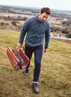 Bergère de France is the leading French wool manufacturer. Buy your knitting wools, patterns and all accessories online. Cable Sweater, Men Sweater, Pull Torsadé, Le Grand Bleu, Pulls, Jeans Pants, Blue Denim, Knitwear, Hipster