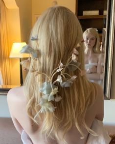 Elle Fanning Maleficent, Fanning Sisters, Wedding Mood Board, Best Actress, Hollywood Glamour, Celebrity Crush, Cool Girl, Hair Makeup, Hair Beauty