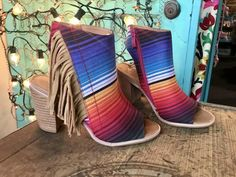 A serape fringe bootie with a 3 inch heel! Country Girls Outfits, Cute Teen Outfits, Western Outfits, Casual Summer Outfits, Baby Boy Outfits, Kids Outfits, Western Shoes, Western Wear, Cowgirl Style