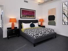I love that bed!!!!!!!!!!!