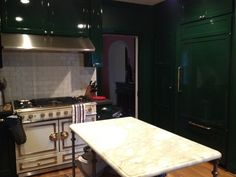 Laquer Licious Green Cabinetry And I Do Believe A La Cornue