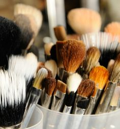 how to clean makeup brushes & other useful tips