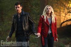 "Jennifer Morrison will return for what the 'OUAT' bosses are calling ""an emotional curtain call"" Captain Swan, Captain Hook, Killian Jones, Emma Swan, Ouat, Once Upon A Time, Robin Hood, Love Is Not Enough, The Reunion"