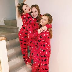 """Christmas, matching onesies & my fave girls. Winter Pictures, Bff Pictures, Best Friend Pictures, Cute Photos, Bff Pics, Christmas Pictures, Matching Christmas Pajamas, Matching Pjs, Xmas Pajamas"