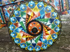 oxcarts wheel in costa rica Costa Rica Art, Bullock Cart, Cost Rica, Telling Time In Spanish, Madhubani Art, Mandala Art, Beautiful Sunset, Sacred Geometry, Folk Art