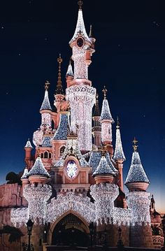 "ajoylesseuphoria: "" Disney castles during Christmastime. Disneyland (Anaheim), Tokyo Disneyland, Hong Kong Disneyland, Disneyland Paris, Walt Disney World. Disney Phone Wallpaper, Iphone Background Wallpaper, Pink Wallpaper, Disney Worlds, Mode Poster, Disney World Pictures, Disney Background, Disney Aesthetic, Pink Aesthetic"
