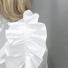 Frill Shirt, Catwalk Fashion, Detailed Drawings, Summer Looks, Classic Looks, Fashion Details, No Frills, Design Inspiration, Design Ideas