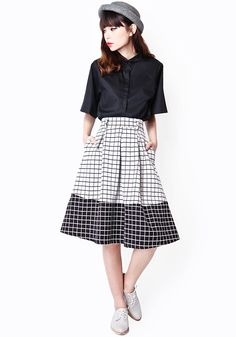REVERSI GRID MIDI SKIRT IN BLACK/WHITE