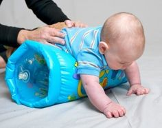Physical therapy Building Trunk (Core) Strength: Exercise/activity ideas for various age groups. Exercise Activities, Gross Motor Activities, Gross Motor Skills, Infant Activities, Activities For Kids, Activity Ideas, Pediatric Occupational Therapy, Pediatric Ot, Baby Play