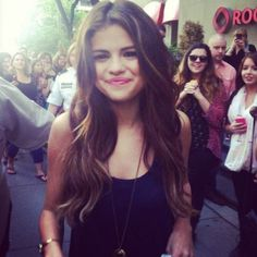 theophilous-s:    ♡ Rosy blog! I follow everyone back. Selena ist perf ♡