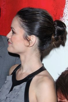 Rachel Bilsons smooth, bun hairstyle