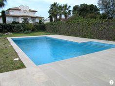 ¡Casa de lujo a solo 50 metros de la playa más hermosa de Sitges! Barcelona, Sitges, Alicante, Valencia, Villa, Outdoor Decor, Home Decor, Luxury Mansions, House Beautiful