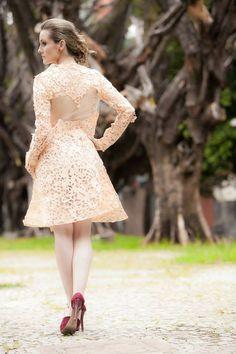 Iáskara Isadora Vestido de papel derivado da reciclagem de sacos de cimento.