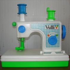 Selvage Blog: Sylvie's Toy Sewing Machines