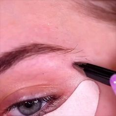 makeup ideas ideas for homecoming eye makeup ideas makeup ideas eyes makeup ideas makeup ideas ideas simple makeup ideas for halloween Eyebrow Makeup Tips, Makeup Eye Looks, Eye Makeup Steps, Cute Makeup, Makeup Videos, Simple Makeup, Skin Makeup, Eyeshadow Makeup, Gorgeous Makeup