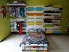 Cool Bed & Wardrobe Rack Made From 28 Recycled Pallets  #bed #bedroom #kids #palletbed #palletwardrobe #recyclingwoodpallets If you've seen my previous post, you now understand we've made all my son's bedroom from pallets (TV corner and Pallet Desk). This is the last part, w...