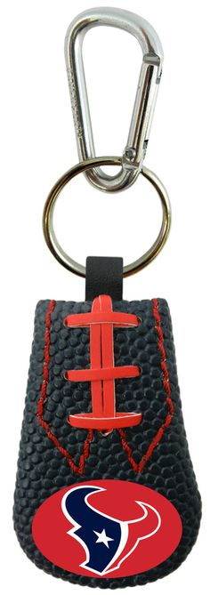 - Officially licensed - Made of genuine football leather - Comes with a carabiner clip