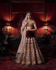 Check out Sabyasachi Bridal Lehenga designs collection that are perfect wedding lehenga for the bride to be. Look gorgeous in these elegantly crafted Sabyasachi Bridal lehengas. Sabyasachi Lehenga Bridal, Indian Bridal Lehenga, Indian Bridal Outfits, Indian Bridal Wear, Indian Dresses, Bridal Dresses, Net Lehenga, Heavy Lehenga, Lehenga Wedding