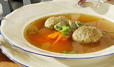 Hovädzia polievka spečeňovými knedličkami | DobreJedlo.sk Thai Red Curry, Ethnic Recipes, Eastern Europe, Food, Essen, Meals, Yemek, Eten