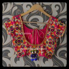 Saree blouse design Sari Blouse Designs, Fancy Blouse Designs, Blouse Patterns, Blouse Desings, Hand Work Blouse Design, Indian Blouse, Indian Wear, Blouse Models, Hand Embroidery Designs